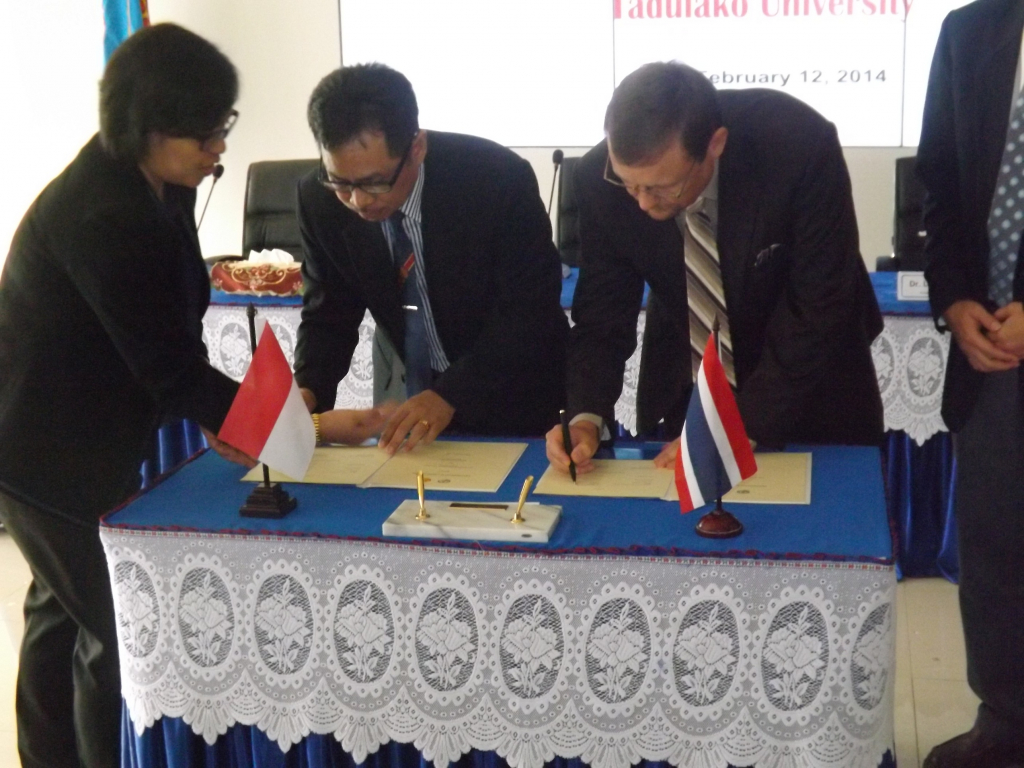Tadulako University Signed MoU with Asia-Pasifik International University (APIU)